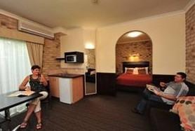 Highlander Motor Inn And Apartments - Maitland Accommodation