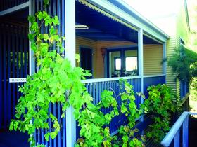Lavender Blue Country Apartments - Maitland Accommodation