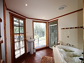 Love Grove Guest House - Maitland Accommodation