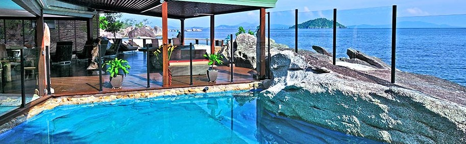 East Bedarra Island Retreat - Maitland Accommodation