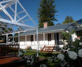 The Cottage - Berry - Maitland Accommodation