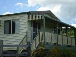 Halls Country Cottages - Maitland Accommodation