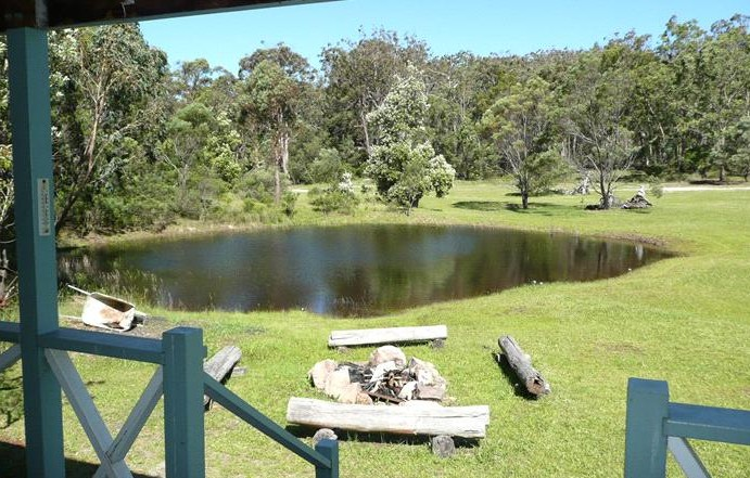 Possums Hollow and Hooters Hut - Maitland Accommodation
