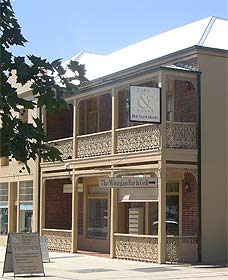 Cobb  Co Court Boutique Hotel - Maitland Accommodation