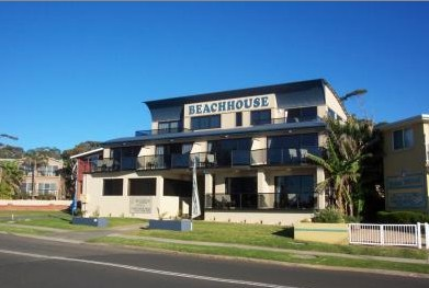 Beach House Mollymook - Maitland Accommodation