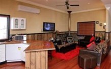 Top of the Range Retreat - Maitland Accommodation