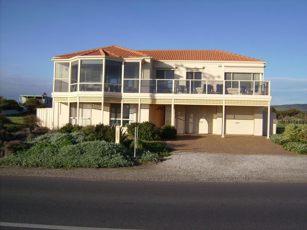 Century 21 SouthCoast Hayman - Maitland Accommodation