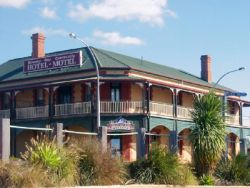 Streaky Bay Hotel Motel - Maitland Accommodation
