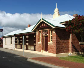 Artgeo Cultural Complex - Old Courthouse - Maitland Accommodation