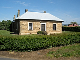 Oatlands Court House - Maitland Accommodation
