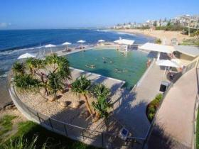 Kings Beach - Beachfront Salt Water Pool - Maitland Accommodation