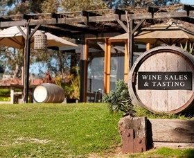Saint Regis Winery Food  Wine Bar - Maitland Accommodation