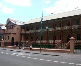 Parliament House - Maitland Accommodation