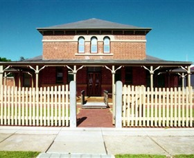 Wentworth Courthouse - Maitland Accommodation
