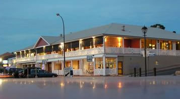 Seacliff Beach Hotel - Maitland Accommodation