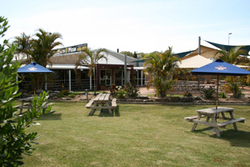 Moonee Beach Tavern - Maitland Accommodation
