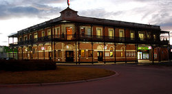 The Grand Terminus Hotel - Maitland Accommodation