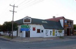 Black Lion Inn Hotel - Maitland Accommodation