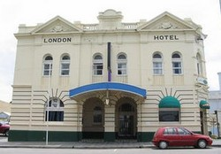 The London Hotel - Maitland Accommodation