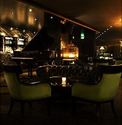 Trademark Hotel Lounge Bar and Piano Room - Maitland Accommodation
