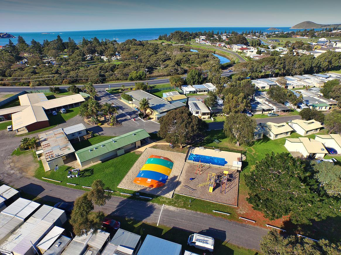 Victor Harbor Holiday  Cabin Park - Maitland Accommodation