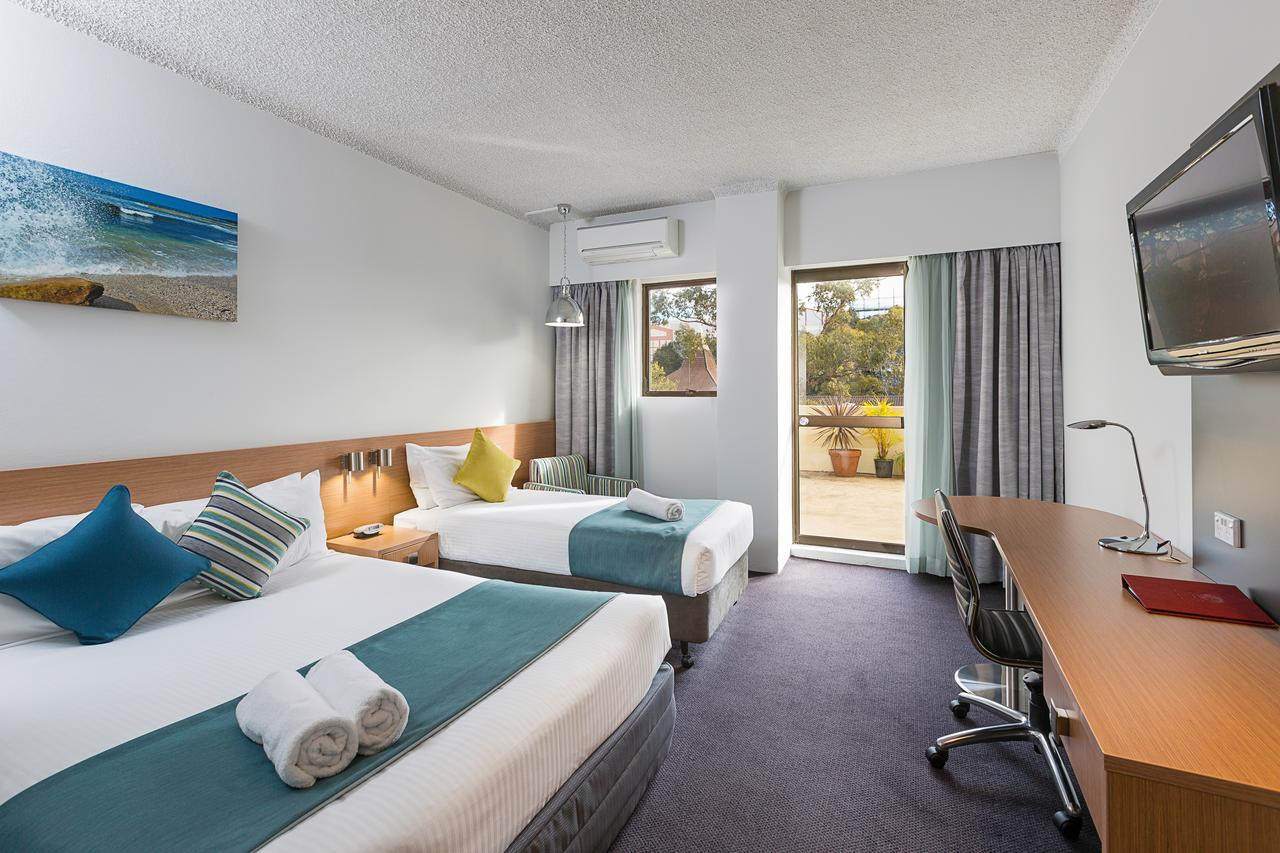 Metro Hotel Miranda - Maitland Accommodation
