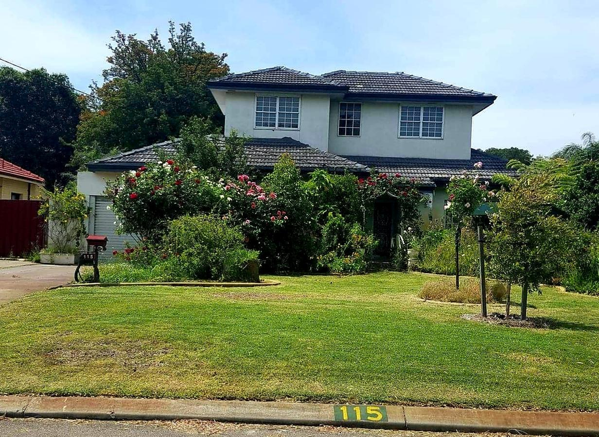 Airport HomeStay - Maitland Accommodation