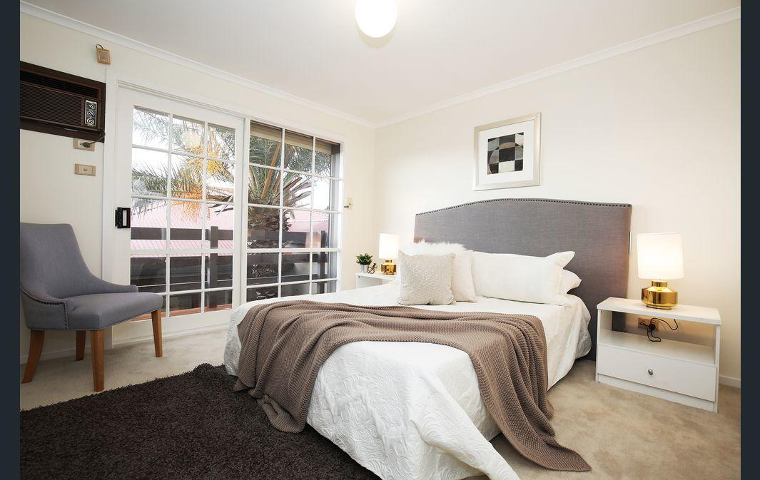 The Gallery Hours - Maitland Accommodation